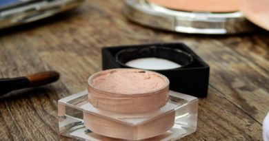 Acht Must-Haves für deine Kosmetiktasche